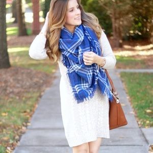 NWOT Charming Charlie Blue Plaid Blanket Scarf